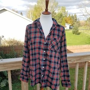 Old Navy Classic Plaid Button Up Shirt